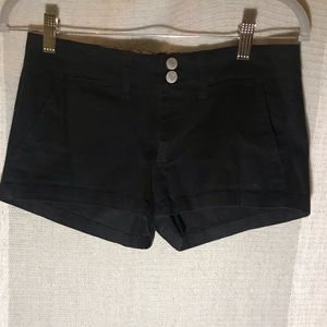 Black chino shorts with double button